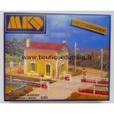 MKD 530 - guard house-level crossing with barriers - HO