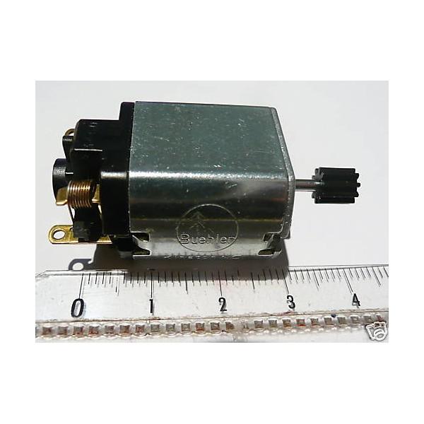 moteur buhler avec pignon pour jouef lima roco ho boutique du train. Black Bedroom Furniture Sets. Home Design Ideas