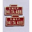 2 plaques 141TA488 peintes en laiton