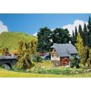 FALLER - 130387 - Maquette de Petite Maison en foret 130387 HO