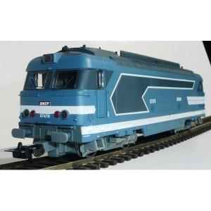 Diesel locomotive BB67400  SNCF - HO